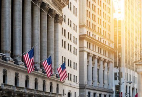 [Tài chính] Dow Jones tái lập đỉnh mới sau khi Chủ tịch Fed trấn an lo ngại lạm phát