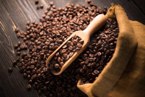 [Phân tích] Giá cà phê trên 2 sàn có thể tiếp tục trái chiều trong phiên hôm nay