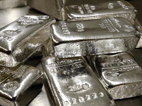 [phân tích] đà tăng của giá bạc sẽ được nối dài nhờ kì vọng vào gia tăng tỉ lệ lạm phát