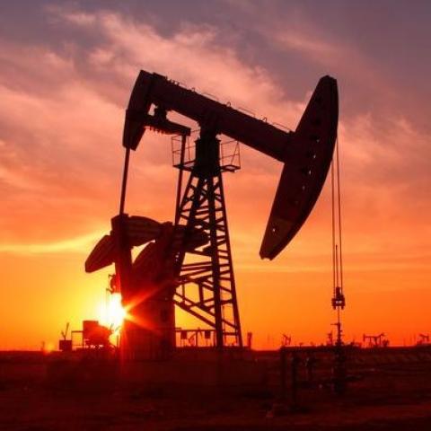 [Phân tích] Giá dầu có thể điều chỉnh sau báo cáo tối nay của EIA