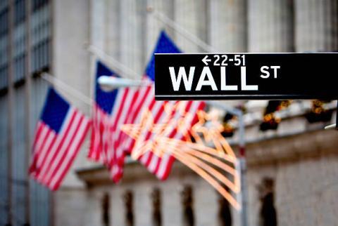 [Tài chính] Phố Wall đồng loạt giảm điểm, USD có tuần tăng trưởng ấn tượng