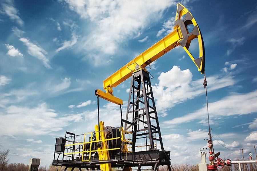 Giá dầu chịu áp lực trước một loạt tin tiêu cực ngay phiên đầu tuần