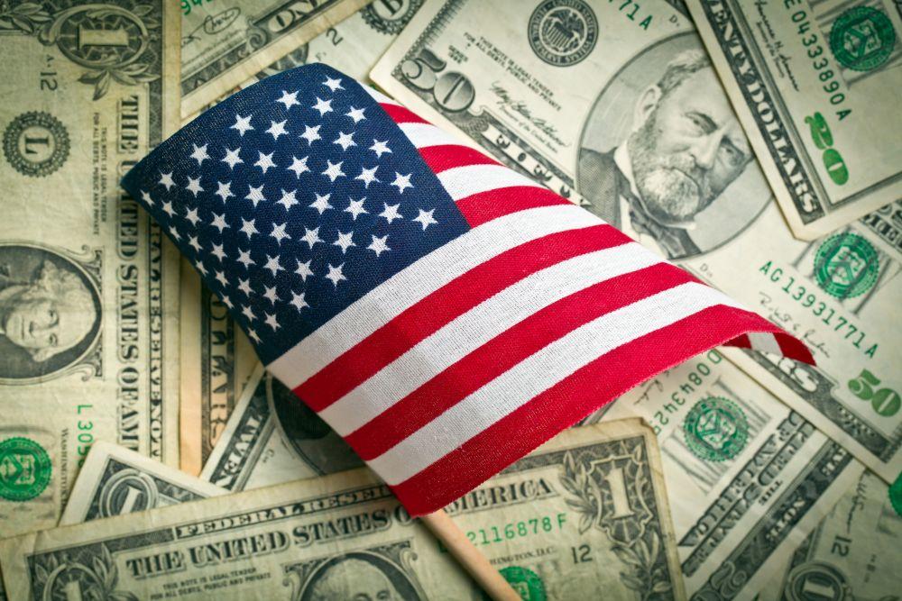 Dollar 'chao đảo' trước những quyết định về thuế của đảng Dân Chủ